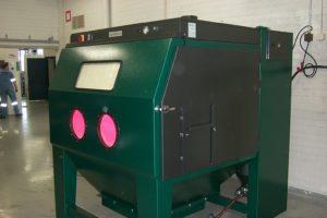 DP 17 S ovissa läpivientiaukot pitkien kappaleiden puhallusta varten